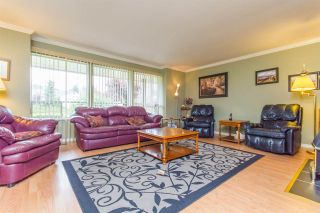 Photo 2: 33281 DALKE Avenue in Mission: Mission BC House for sale : MLS®# R2072771