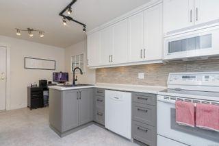 Photo 12: 18 909 Admirals Rd in Esquimalt: Es Esquimalt Row/Townhouse for sale : MLS®# 879199