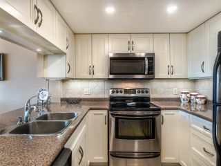 """Photo 6: 604 1045 QUAYSIDE Drive in New Westminster: Quay Condo for sale in """"Quayside Tower 1"""" : MLS®# R2582288"""