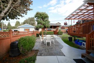Photo 3: 6367 SUMAS Street in Burnaby: Parkcrest House for sale (Burnaby North)  : MLS®# R2205481