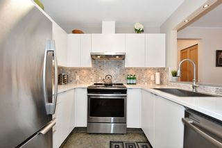 """Photo 8: 106 2588 ALDER Street in Vancouver: Fairview VW Condo for sale in """"BOLLERT PLACE"""" (Vancouver West)  : MLS®# R2429460"""