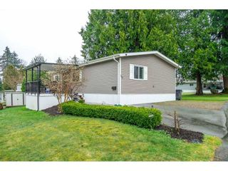 "Photo 4: 183 7790 KING GEORGE Boulevard in Surrey: East Newton Manufactured Home for sale in ""Crispen Bays"" : MLS®# R2555567"