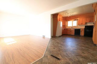 Photo 5: 182 28th Street in Battleford: Residential for sale : MLS®# SK850044