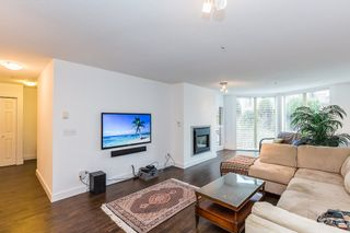 """Photo 6: 411 68 RICHMOND Street in New Westminster: Fraserview NW Condo for sale in """"GATEHOUSE"""" : MLS®# R2150435"""
