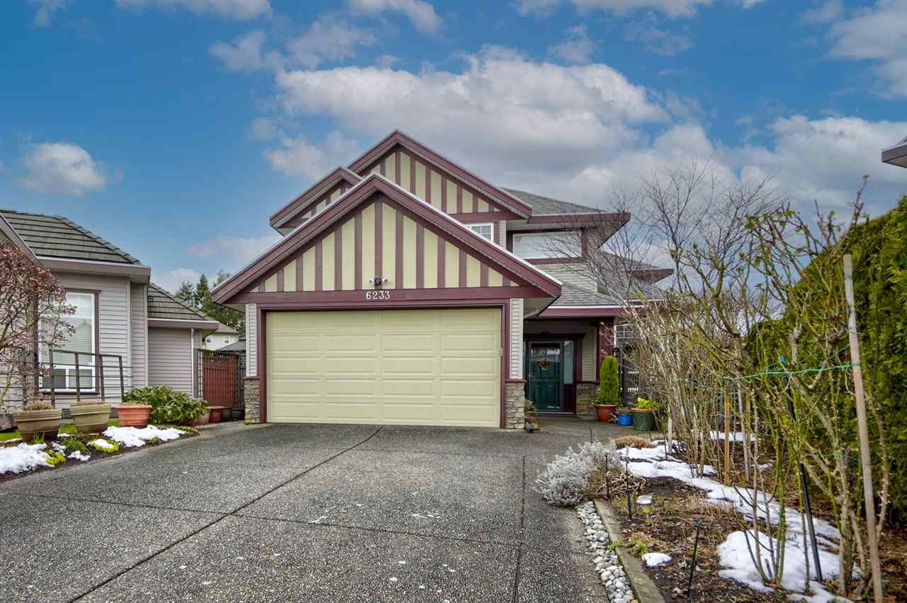 Main Photo: 6233 175B Street in Surrey: Cloverdale BC House for sale (Cloverdale)  : MLS®# R2538186