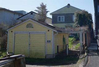 Photo 5: 15571 VICTORIA Avenue: White Rock House for sale (South Surrey White Rock)  : MLS®# R2570444