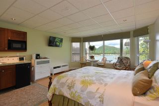 Photo 8: 5175 WESJAC Road in Madeira Park: Pender Harbour Egmont House for sale (Sunshine Coast)  : MLS®# R2356463