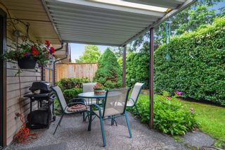 """Photo 18: 10 15174 20TH Avenue in Surrey: Sunnyside Park Surrey Townhouse for sale in """"ROSE GATE"""" (South Surrey White Rock)  : MLS®# R2464674"""