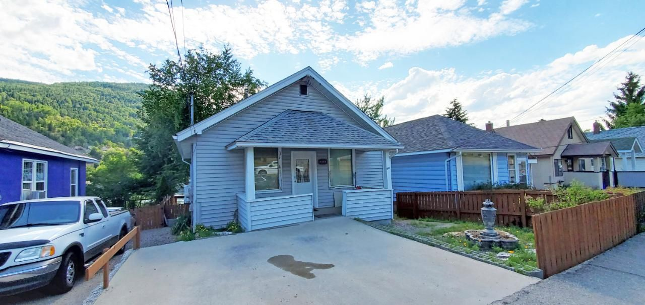 Main Photo: 1640 COLUMBIA AVENUE in Trail: House for sale : MLS®# 2459284