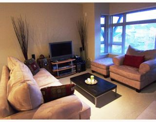 """Photo 3: 401 7339 MACPHERSON Avenue in Burnaby: Metrotown Condo for sale in """"CADENCE"""" (Burnaby South)  : MLS®# V793973"""