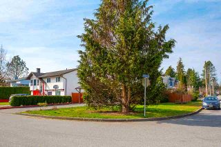 Photo 3: 3339 OSBORNE Street in Port Coquitlam: Woodland Acres PQ House for sale : MLS®# R2554686