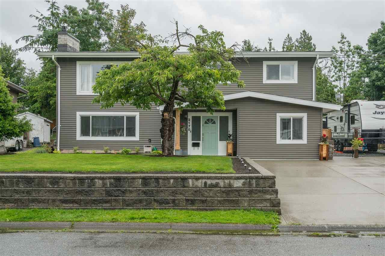 Main Photo: 2170 MOSS Court in Abbotsford: Abbotsford East House for sale : MLS®# R2470051