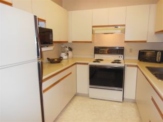 "Photo 8: 401 2800 CHESTERFIELD Avenue in North Vancouver: Upper Lonsdale Condo for sale in ""Somerset Green"" : MLS®# R2116386"
