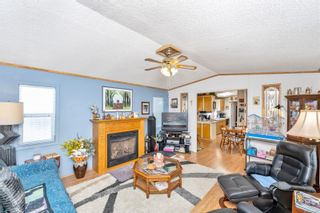 Photo 5: 61 7583 Central Saanich Rd in : CS Hawthorne Manufactured Home for sale (Central Saanich)  : MLS®# 879084