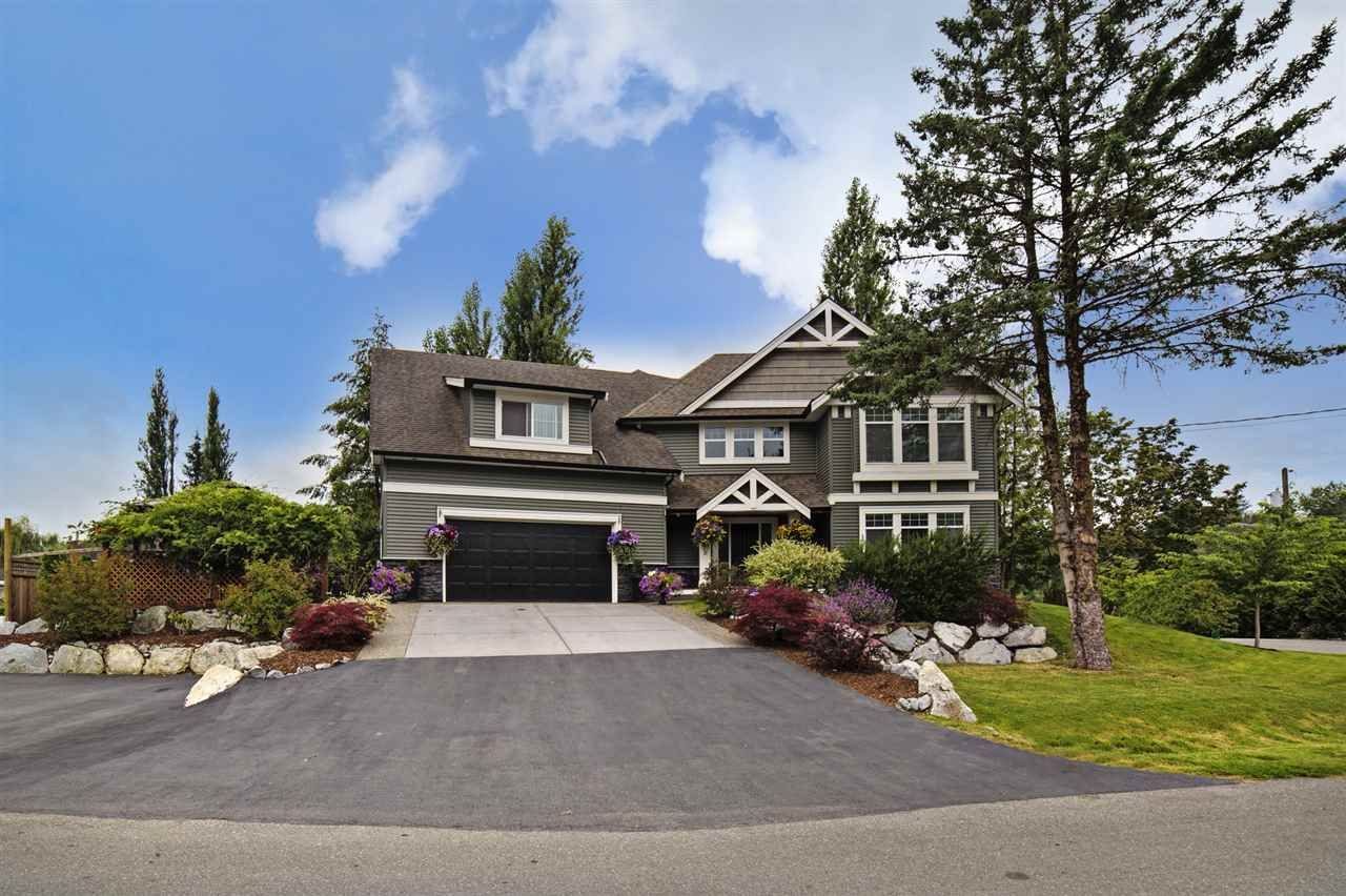 """Main Photo: 8455 BENBOW Street in Mission: Hatzic House for sale in """"Hatzic Lake Area"""" : MLS®# R2093535"""