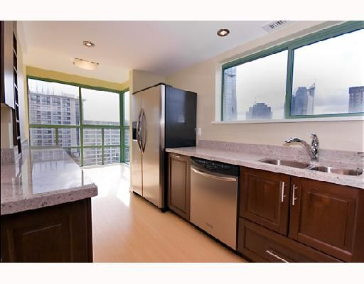 "Main Photo: 1704 909 BURRARD Street in Vancouver: West End VW Condo for sale in ""THE VANCOUVER TOWER"" (Vancouver West)  : MLS®# V743079"