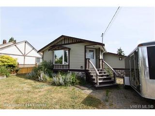 Photo 3: 444 Vincent Ave in VICTORIA: SW Gorge House for sale (Saanich West)  : MLS®# 674178