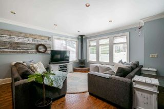 """Photo 5: 850 PARKER Street: White Rock House for sale in """"EAST BEACH"""" (South Surrey White Rock)  : MLS®# R2587340"""