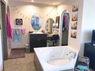 Photo 10: 3712A 41 Street SW in Calgary: Glenbrook Semi Detached for sale : MLS®# A1100932