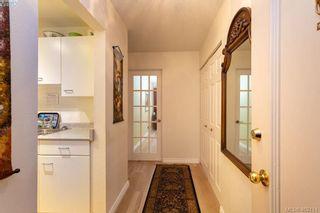 Photo 2: 206 2095 Oak Bay Ave in VICTORIA: OB South Oak Bay Condo for sale (Oak Bay)  : MLS®# 802450