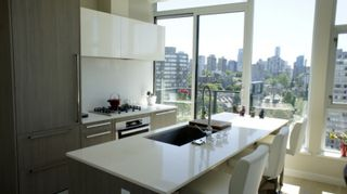 Photo 3: # 1703 1221 BIDWELL ST in Vancouver: West End VW Condo for sale (Vancouver West)  : MLS®# V1128254