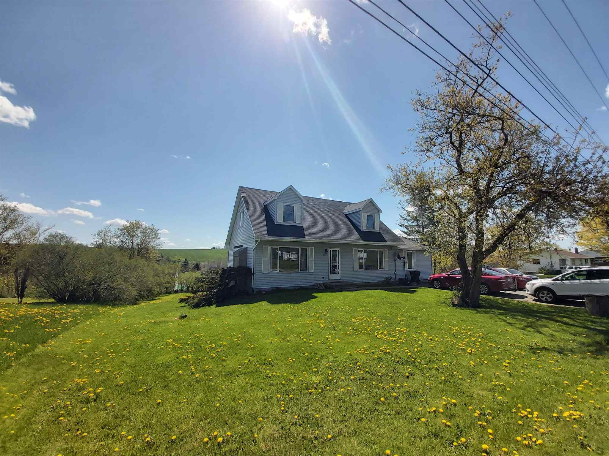 Main Photo: 2025 Highway 2 in Milford: 105-East Hants/Colchester West Residential for sale (Halifax-Dartmouth)  : MLS®# 202111897