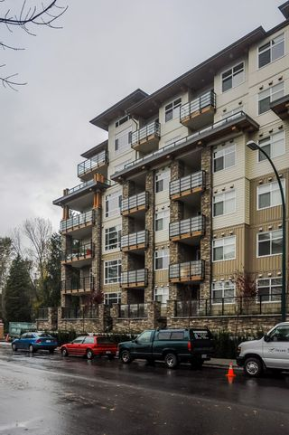 "Photo 1: 411 2495 WILSON Avenue in Port Coquitlam: Central Pt Coquitlam Condo for sale in ""Orchid Riverside Condos"" : MLS®# R2119140"