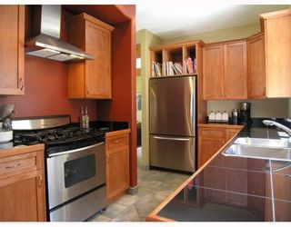 Photo 4: 1106 SUNNYSIDE Road in Gibsons: Gibsons & Area House for sale (Sunshine Coast)  : MLS®# V644175
