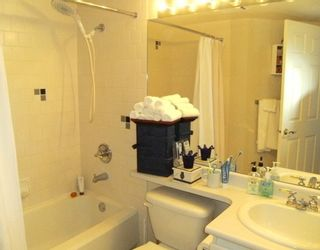 """Photo 7: 2005 5189 GASTON Street in Vancouver: Collingwood VE Condo for sale in """"THE MACGREGOR"""" (Vancouver East)  : MLS®# V812038"""