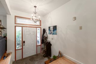 """Photo 2: 41361 KINGSWOOD Road in Squamish: Brackendale House for sale in """"BRACKENDALE"""" : MLS®# R2618512"""