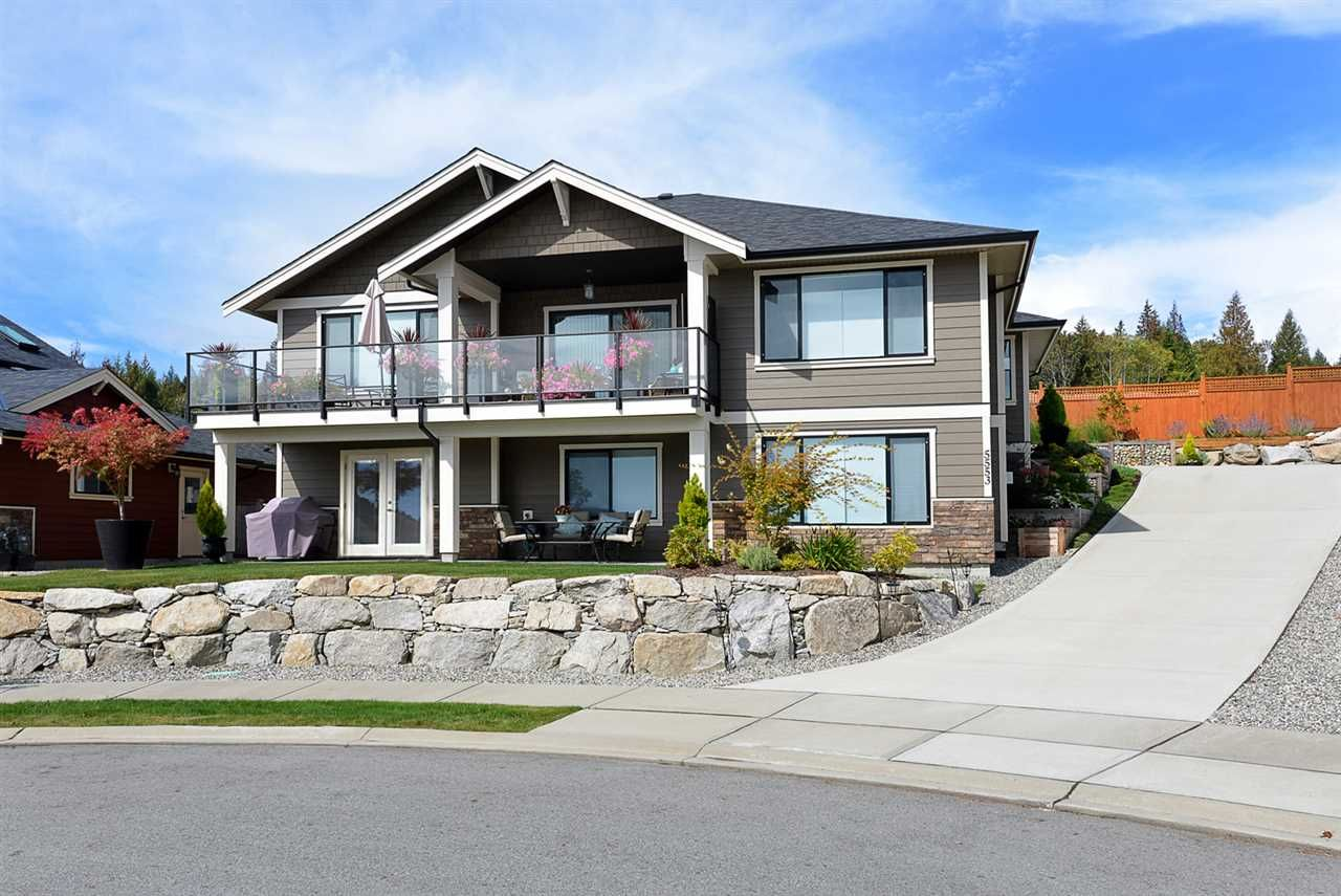 """Main Photo: 5553 PEREGRINE Crescent in Sechelt: Sechelt District House for sale in """"SilverStone Heights"""" (Sunshine Coast)  : MLS®# R2363563"""