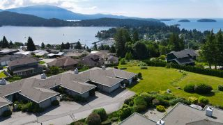 "Photo 33: 8 554 EAGLECREST Drive in Gibsons: Gibsons & Area Townhouse for sale in ""Georgia Mirage"" (Sunshine Coast)  : MLS®# R2474537"