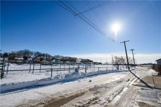 Photo 18: 558 Berwick Place in Winnipeg: Fort Rouge Residential for sale (1Aw)  : MLS®# 1805408