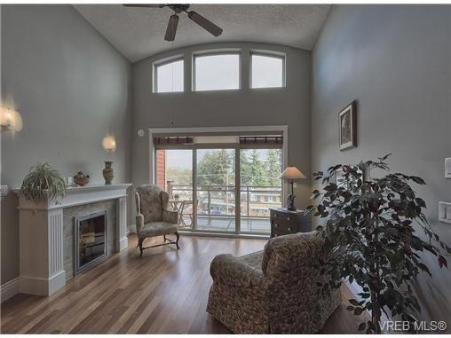 Main Photo: 404 755 Goldstream Ave in VICTORIA: La Langford Proper Condo for sale (Langford)  : MLS®# 646864