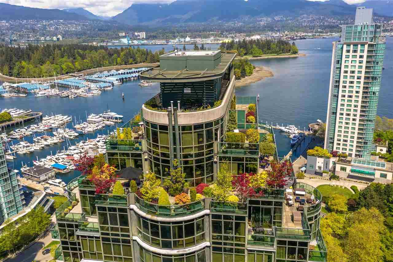 """Main Photo: PH3 555 JERVIS Street in Vancouver: Coal Harbour Condo for sale in """"HARBOURSIDE PARK II"""" (Vancouver West)  : MLS®# R2578170"""