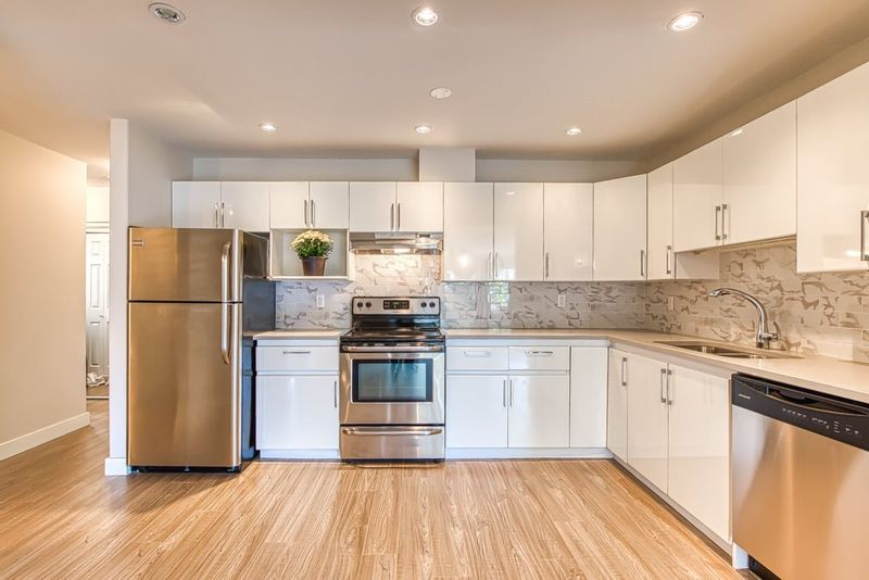FEATURED LISTING: 308 - 2357 WHYTE Avenue Port Coquitlam
