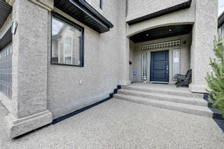 Photo 2: 1612 HASWELL Court in Edmonton: Zone 14 House for sale : MLS®# E4249933