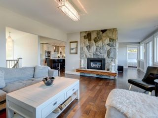 Photo 8: 2330 Arbutus Rd in : SE Arbutus House for sale (Saanich East)  : MLS®# 855726