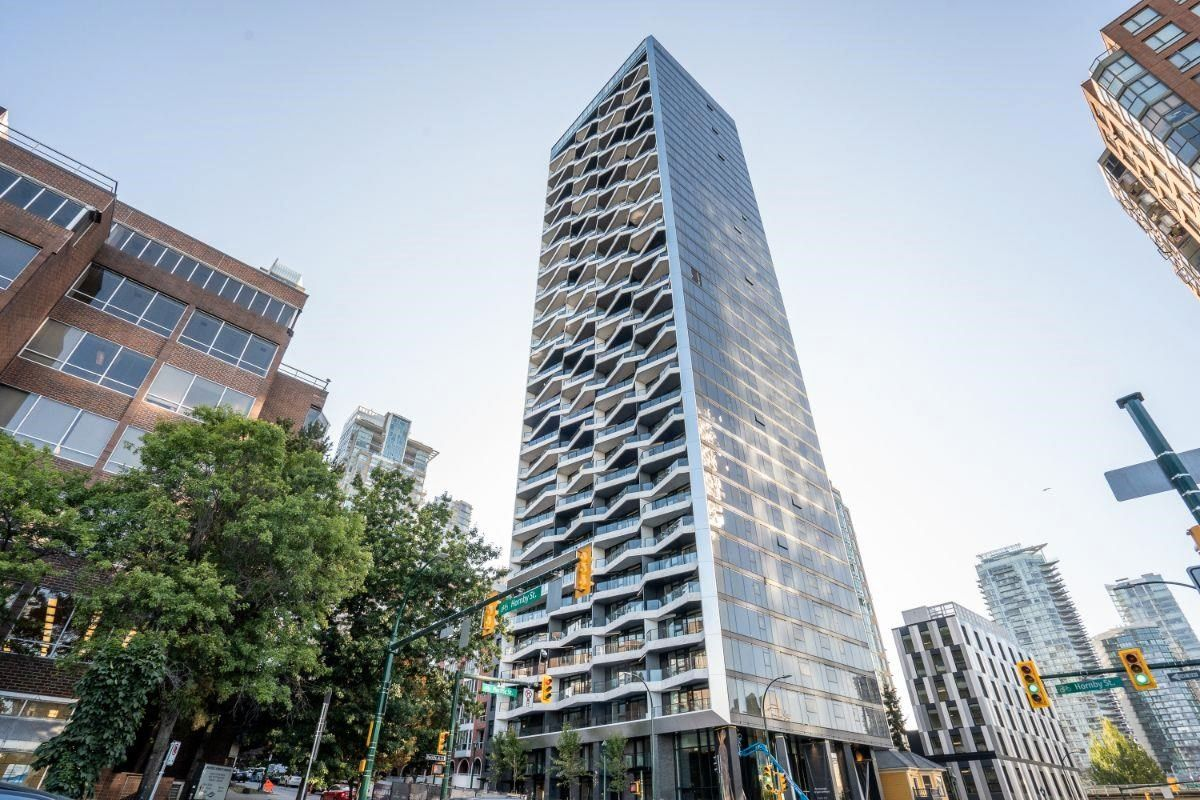Main Photo: 1706 889 PACIFIC Street in Vancouver: Downtown VW Condo for sale (Vancouver West)  : MLS®# R2606018