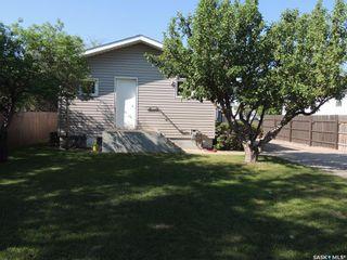 Photo 4: 229 4th Street in Estevan: City Center Residential for sale : MLS®# SK859160