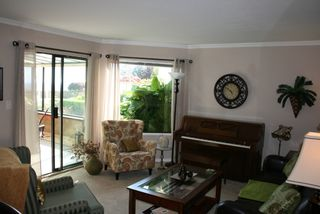 Photo 3: 412 1350 Vidal Street in White Rock BC V4B 5G6: Home for sale : MLS®# R2063800