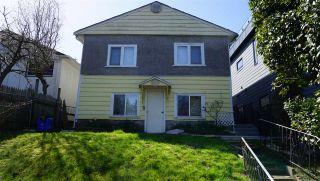 Photo 3: 15571 VICTORIA Avenue: White Rock House for sale (South Surrey White Rock)  : MLS®# R2570444