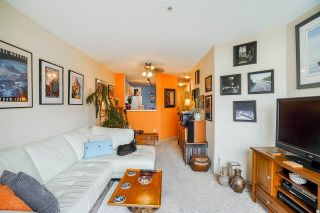 Photo 3: 202 509 CARNARVON Street in New Westminster: Downtown NW Condo for sale : MLS®# R2583081