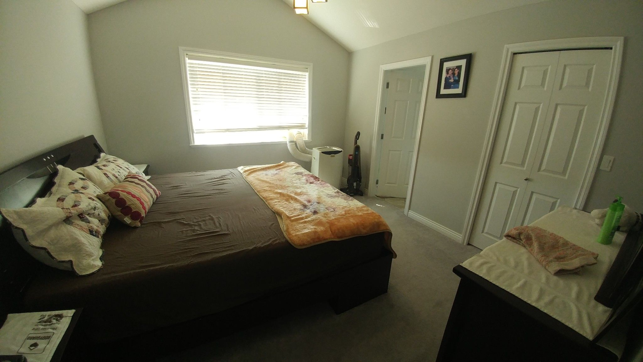 Photo 10: Photos: Upper 7137 190th St. in Surrey: Condo for rent