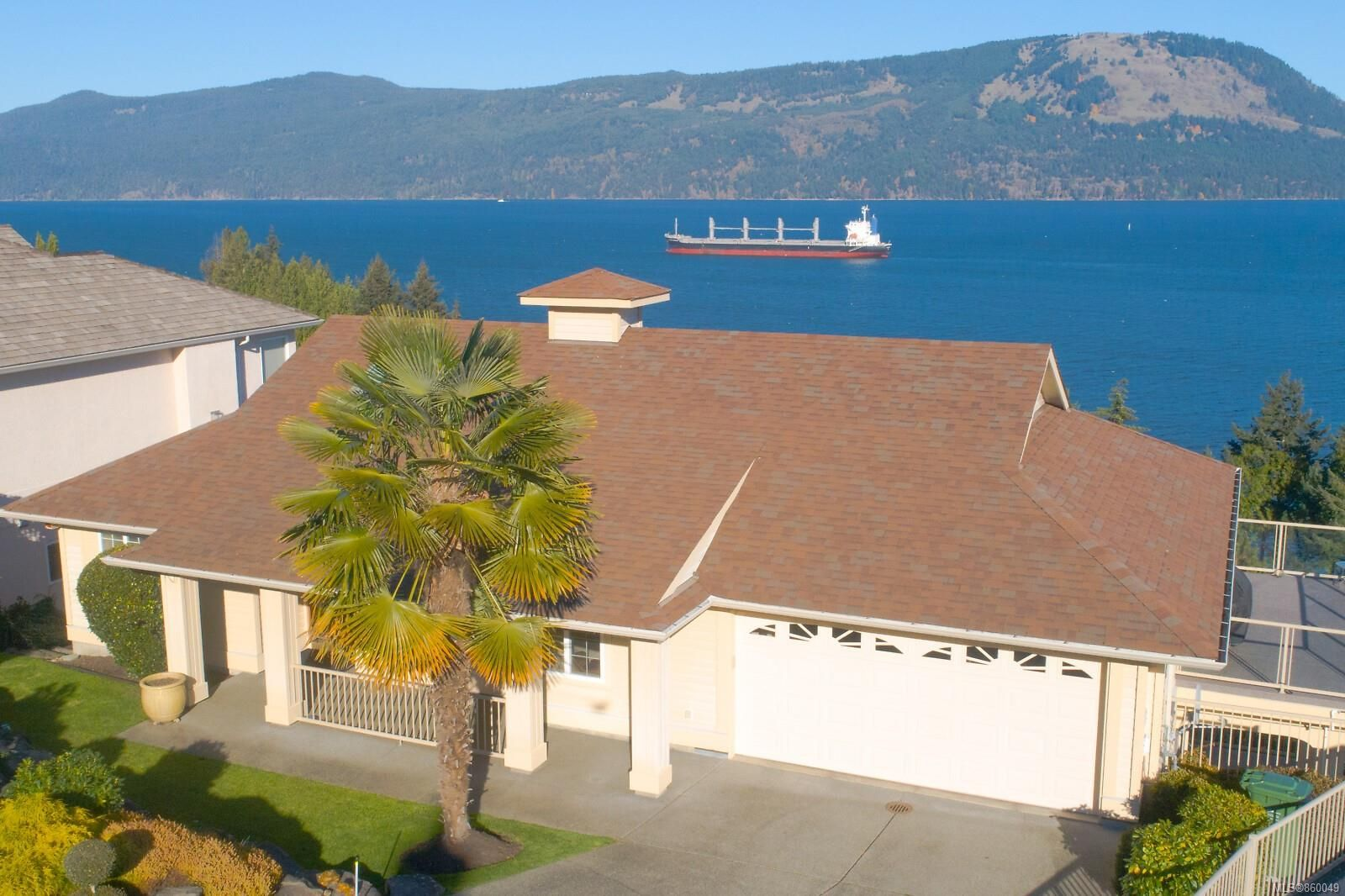 Main Photo: 3564 Ocean View Cres in Cobble Hill: ML Cobble Hill House for sale (Malahat & Area)  : MLS®# 860049