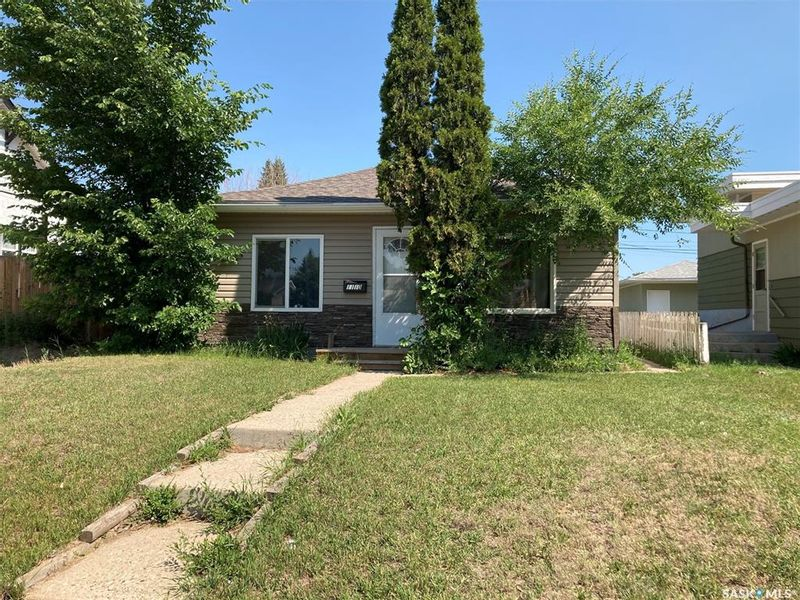 FEATURED LISTING: 1110 Coteau Street West Moose Jaw