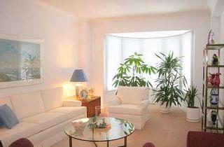 Photo 2: 33 John Button Blvd in MARKHAM: House (2-Storey) for sale (N11: LOCUST HIL)  : MLS®# N1078128