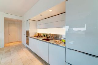"""Photo 10: 2302 838 W HASTINGS Street in Vancouver: Downtown VW Condo for sale in """"Jameson House by Bosa"""" (Vancouver West)  : MLS®# R2614981"""