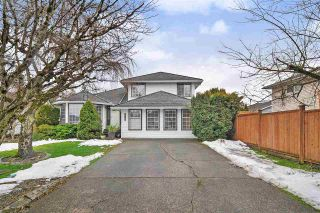 Photo 1: 9318 211 Street in Langley: Walnut Grove House for sale : MLS®# R2430579