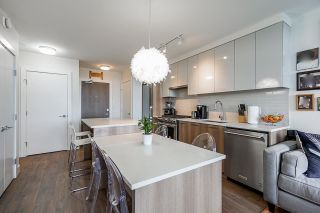 """Photo 8: 711 258 NELSON'S Court in New Westminster: Sapperton Condo for sale in """"The Columbia"""" : MLS®# R2584289"""